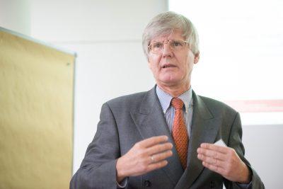 Gefragter Referent: Unser Bild zeigt den Vertragsrechtler und WTG-Experten Dr. Lutz H. Michel, Hürtgenwald.